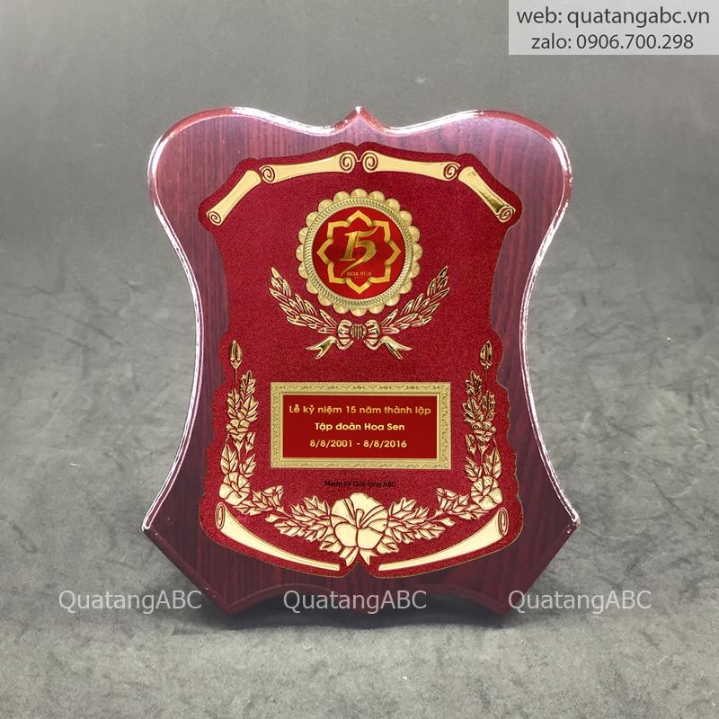 KNC gỗ G7 khuyết eo nâu 20x23cm – khung đỏ họa tiết 08