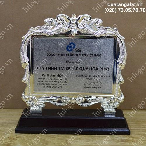 KNC Kỷ niệm chương kim loại gỗ bạc
