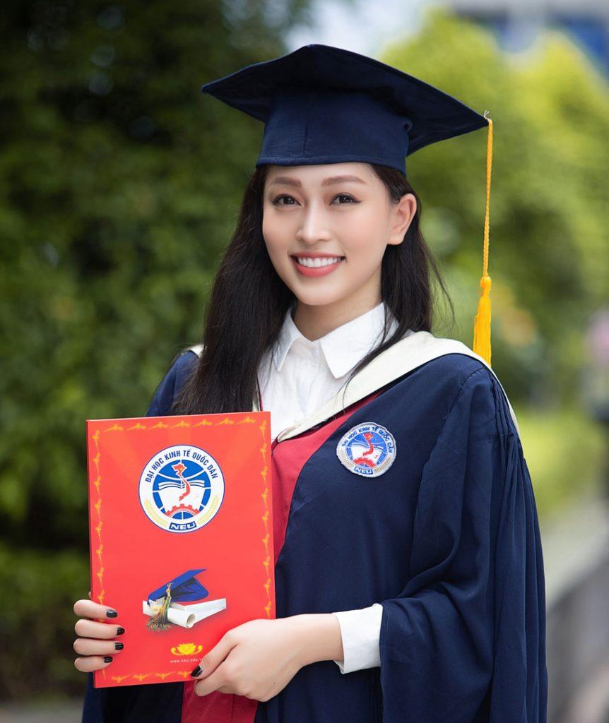 tốt nghiệp
